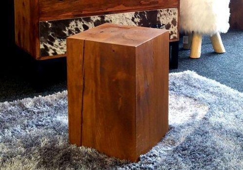Tronco Ulisse: tronco squadrato in legno…