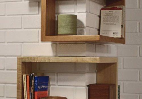 Libreria angolare in legno massello