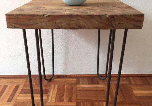 Tavolino quadrato in legno massello di…