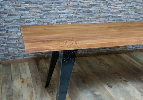 Andrea: tavolo in legno massello design…