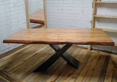 Tavolo in legno massello di castagno…
