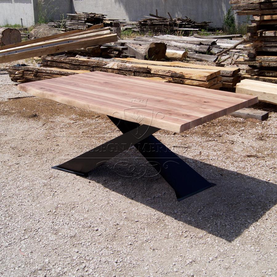 Tavoli design in legno massello for Gambe di legno