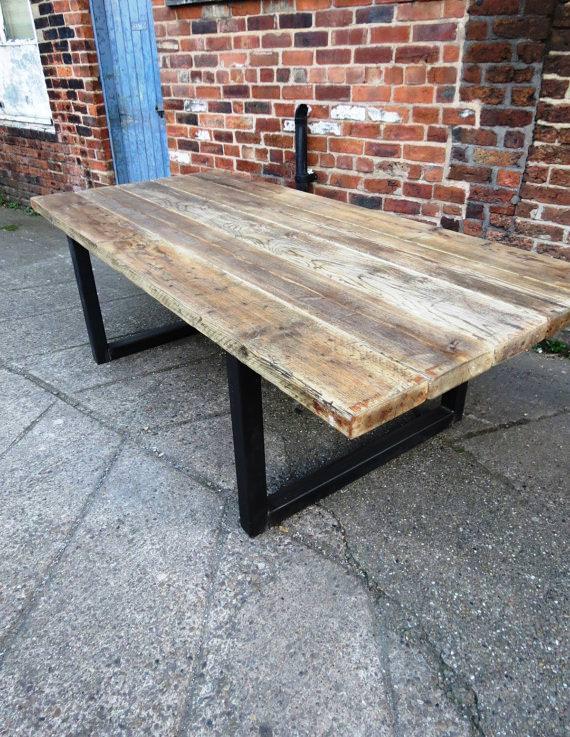 Tavoli con gambe in ferro tavolo da pranzo in legno - Plateau de table en bois epais ...