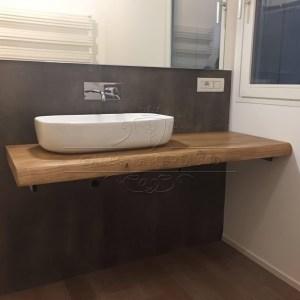 Tavoli e top tavolo in legno massello di castagno con - Top bagno legno massello ...