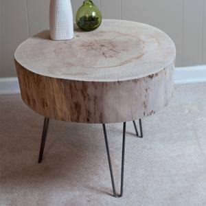 Tavolino in legno massello con porzione di tronco modello meta for Tronchi per arredamento
