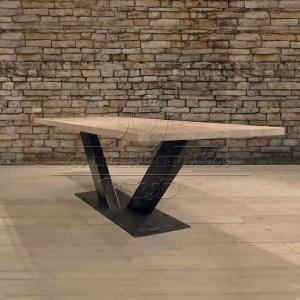 Tavoli in legno massello e gambe in ferro - Tavoli in legno con gambe in ferro ...