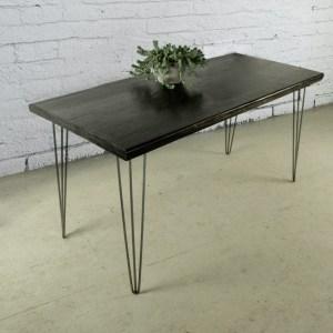 Tavolo legno massello e gambe in ferro ad € 420,00