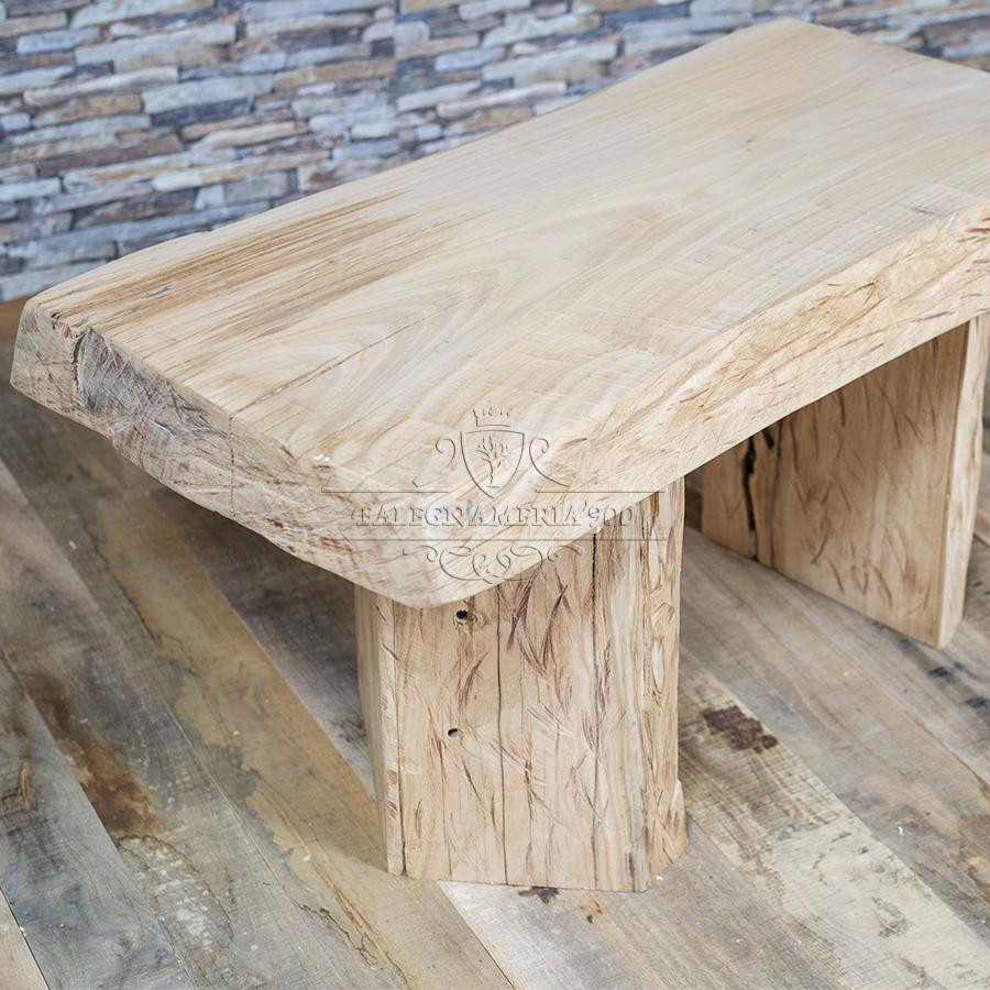 Tavolino in legno massello intagliato a mano modello Eco