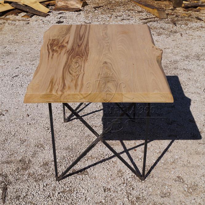 Tavolo in legno massello naturale modello Lucy