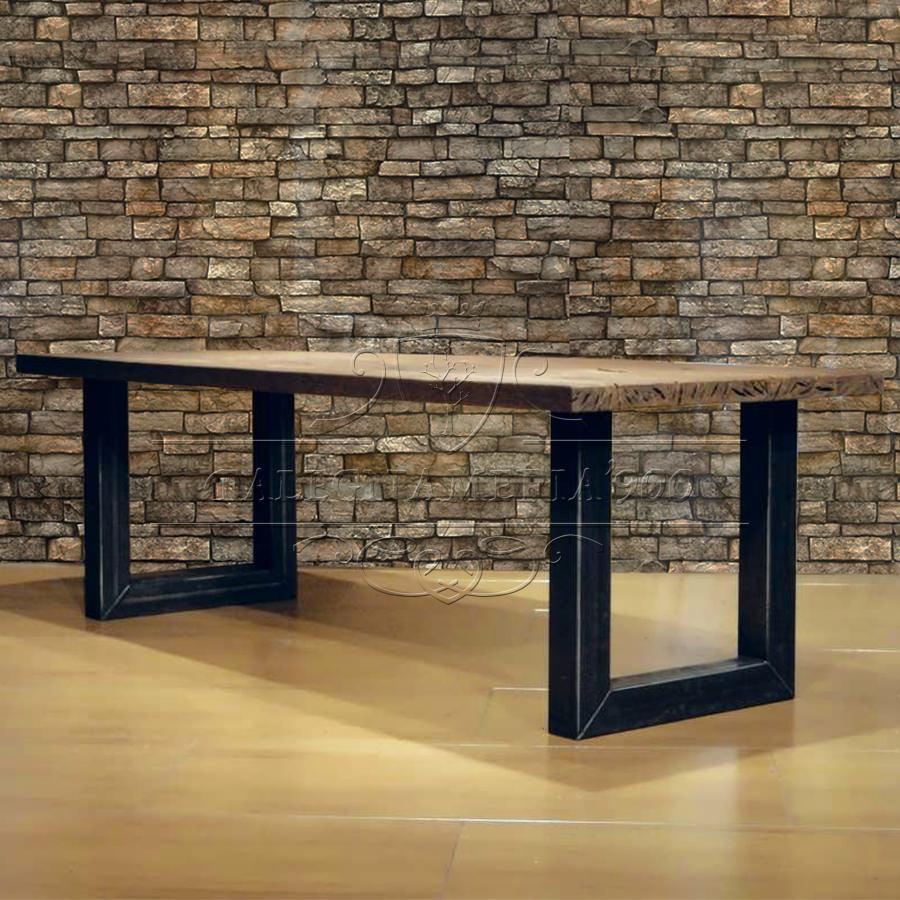 Tavolone in legno grezzo massello e gambe di design in ferro