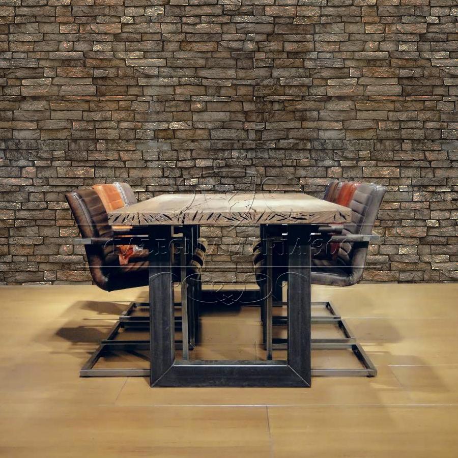 Tavolone in legno grezzo massello e gambe di design in ferro for Gambe di legno