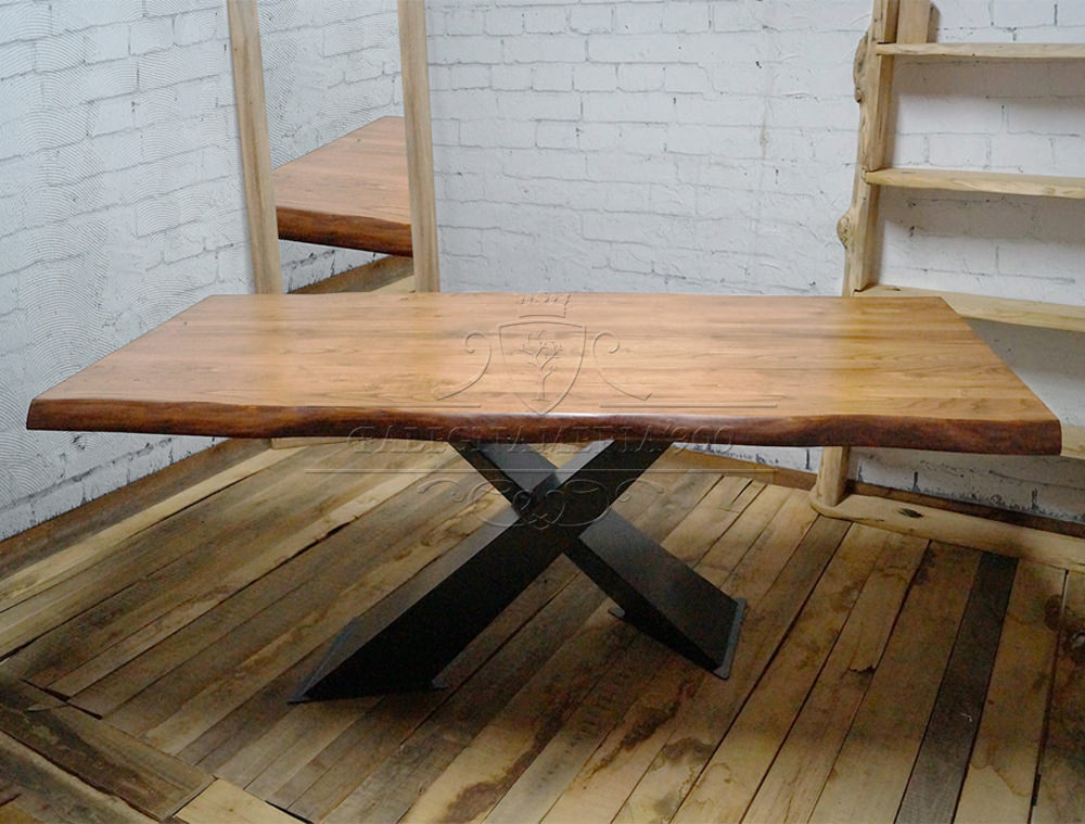 Tavolo in legno massello di castagno modello X Design