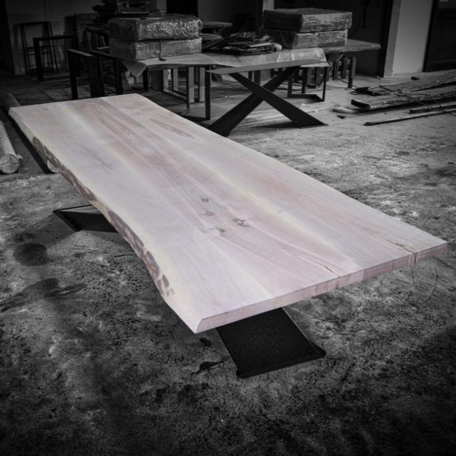 Tavolo in legno massello di noce x design big - Tavolo in noce massello ...