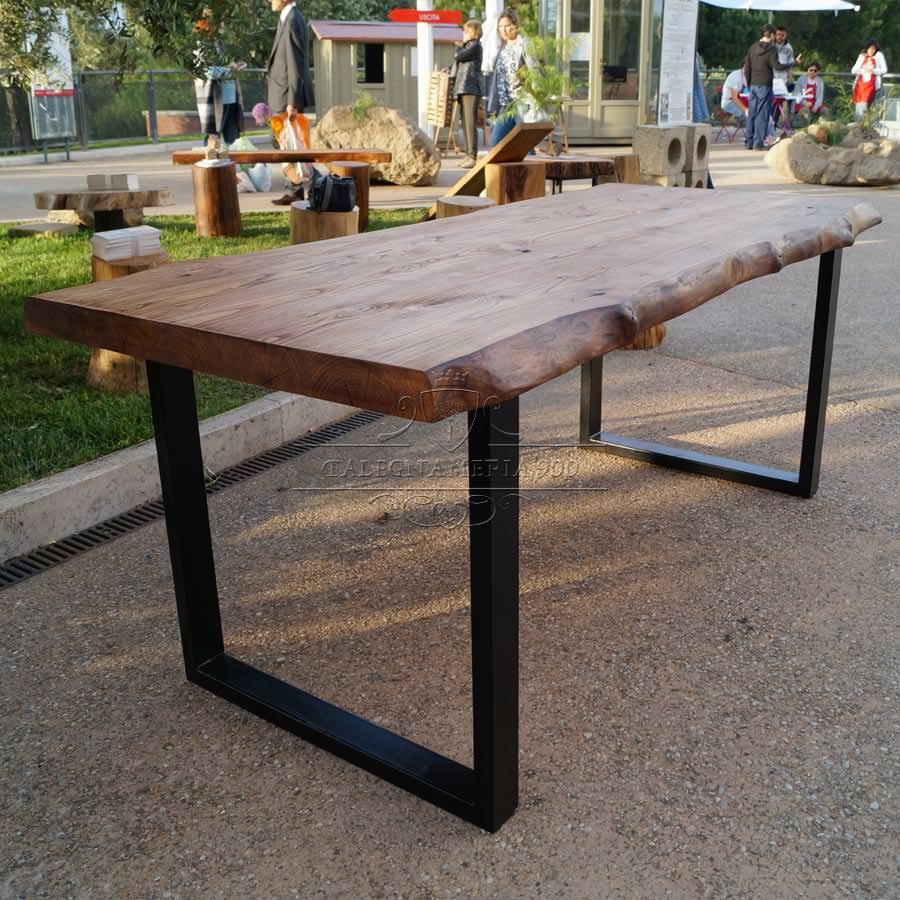 Tavolo legno massello di castagno gambe in ferro impero for Gambe di legno