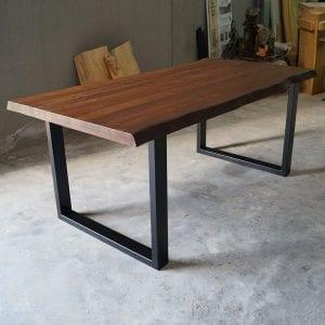 Tavolo legno massello rustico gambe in ferro