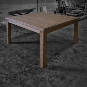 Tavolo legno massello quadrato gambe in legno