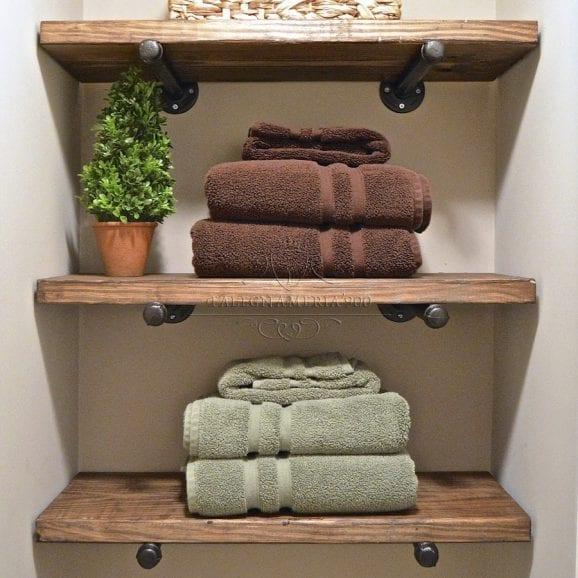 Composizione di mensole in legno massello da parete per bagno o cucina