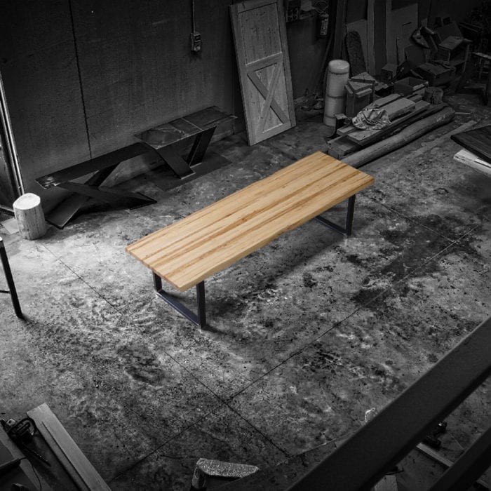 Tavolo legno massello chiaro con gambe in ferro