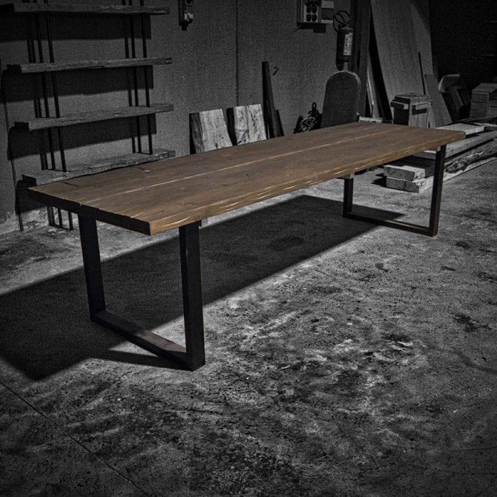 Tavolo legno massello vintage gambe ferro
