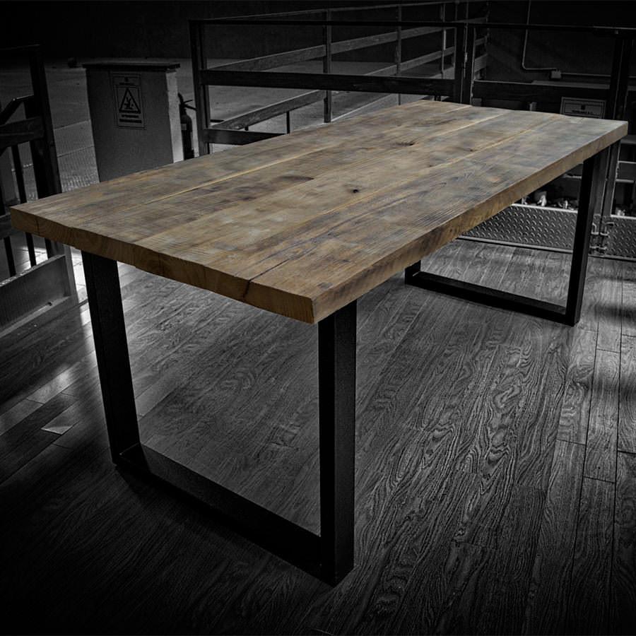 Tavolo in legno massello di castagno west acquistalo for Tavoli in legno massello rustici