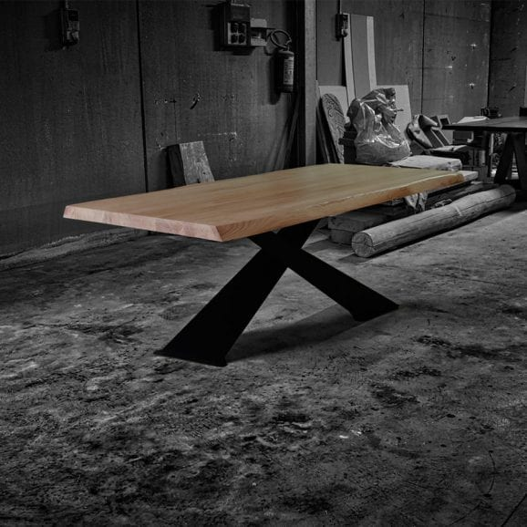 Tavolo legno massello naturale gambe design ferro