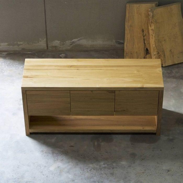 Mobile bagno in legno massello con cassetti push to open