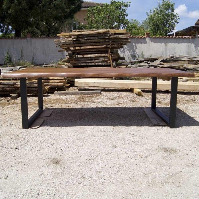 Tavolo in legno massello per Sale Riunioni