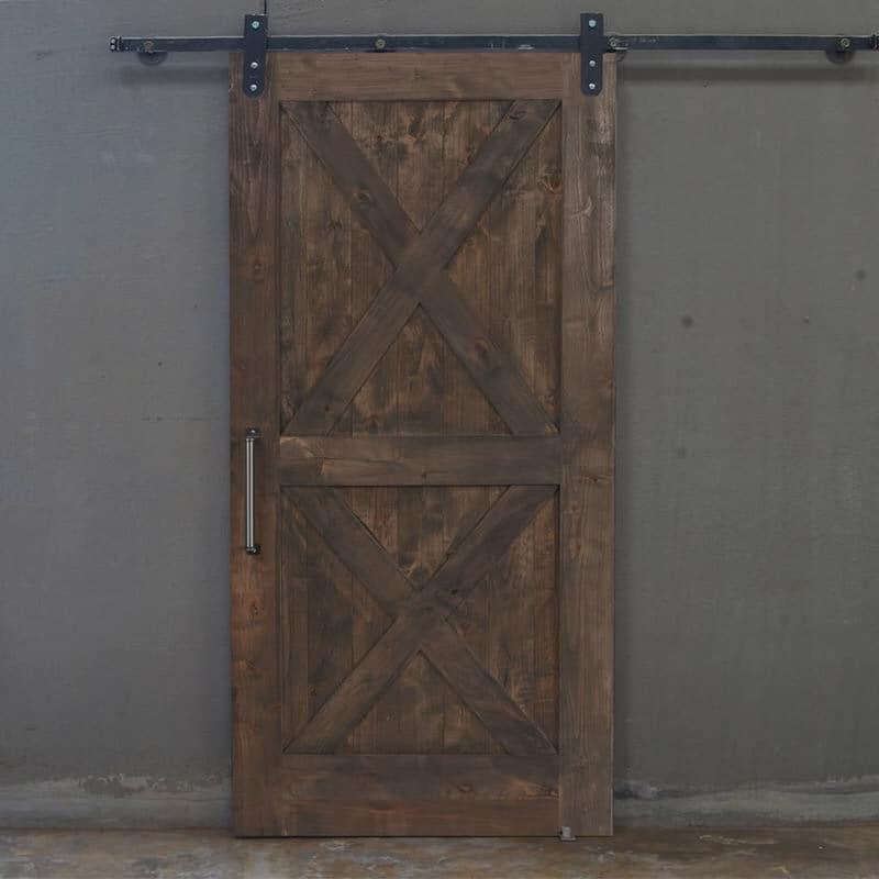 Porta scorrevole barn door in legno massello di abete