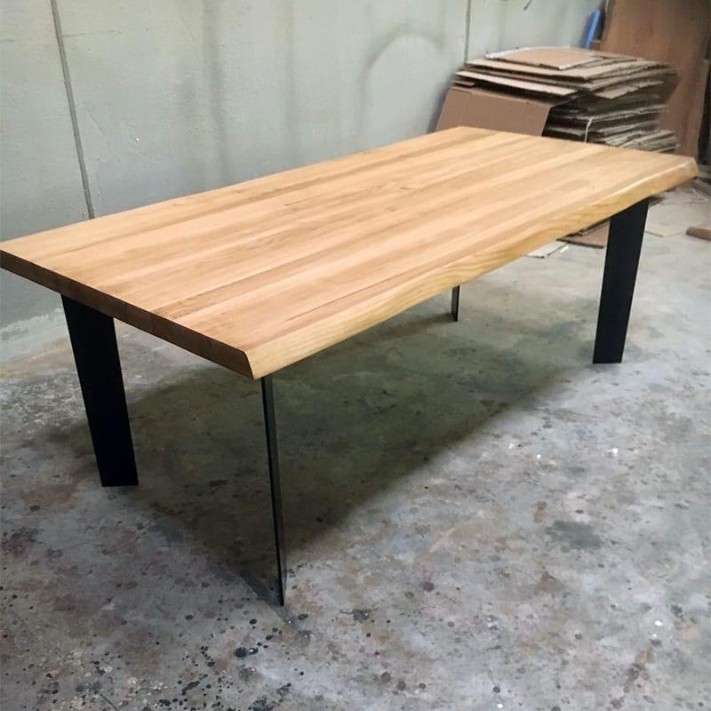 Tavolo in legno massello e gambe in ferro christofer falegnameria900 - Tavolo legno e ferro ...