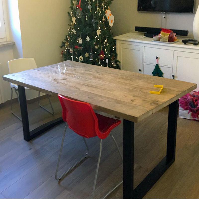 Tavolo in legno massello stile rustico