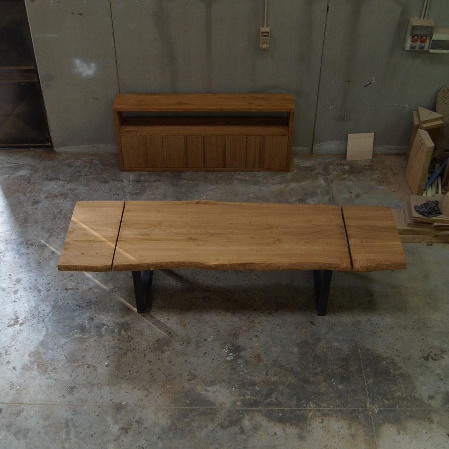 Tavolo in legno massello di castagno allungabile