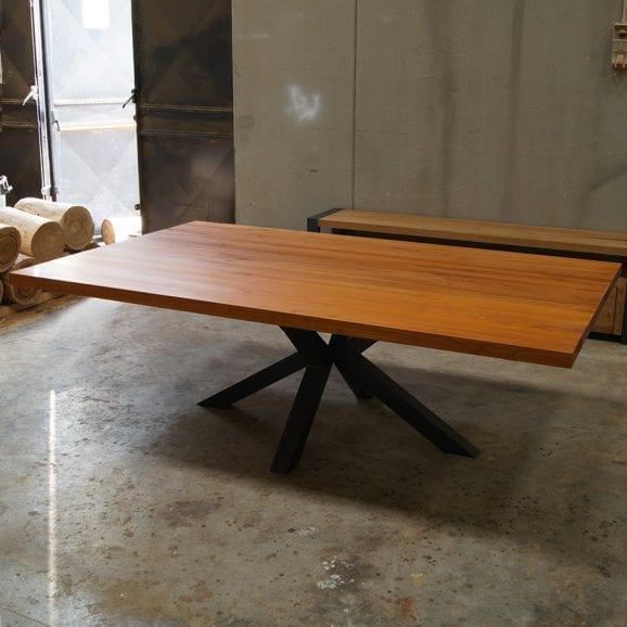 Tavolo extra large in legno massello di castagno con gamba centrale Stella