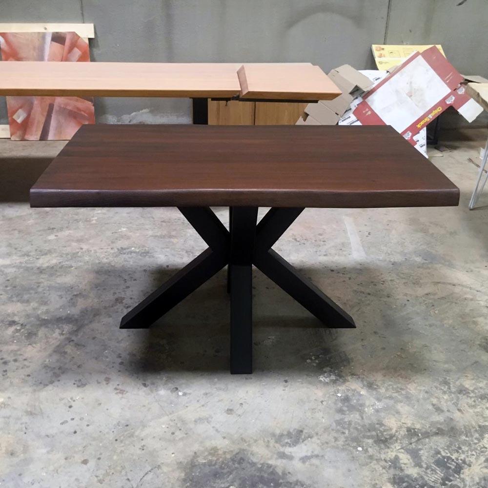 Tavolo Stella in legno massello di castagno dimensioni 160x90cm