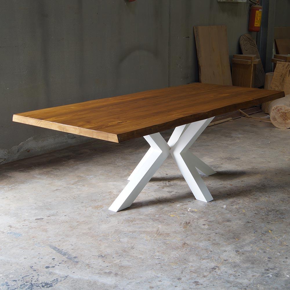 Tavolo Stella in legno massello di castagno dimensioni 220cm